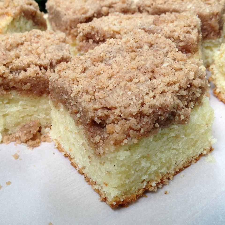 Buttermilk Mango-Berry Crumb Cake Lori