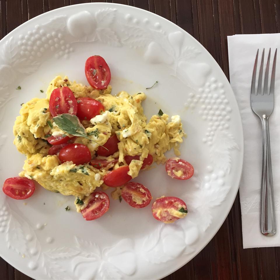 Chef John's Summer Scrambled Eggs Teengreenhouse1