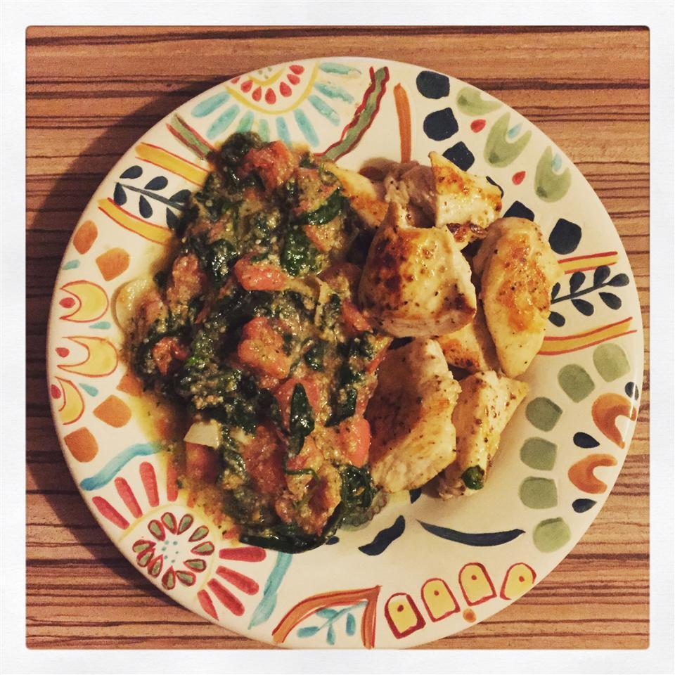 Pesto Spinach and Tomatoes julianayotova