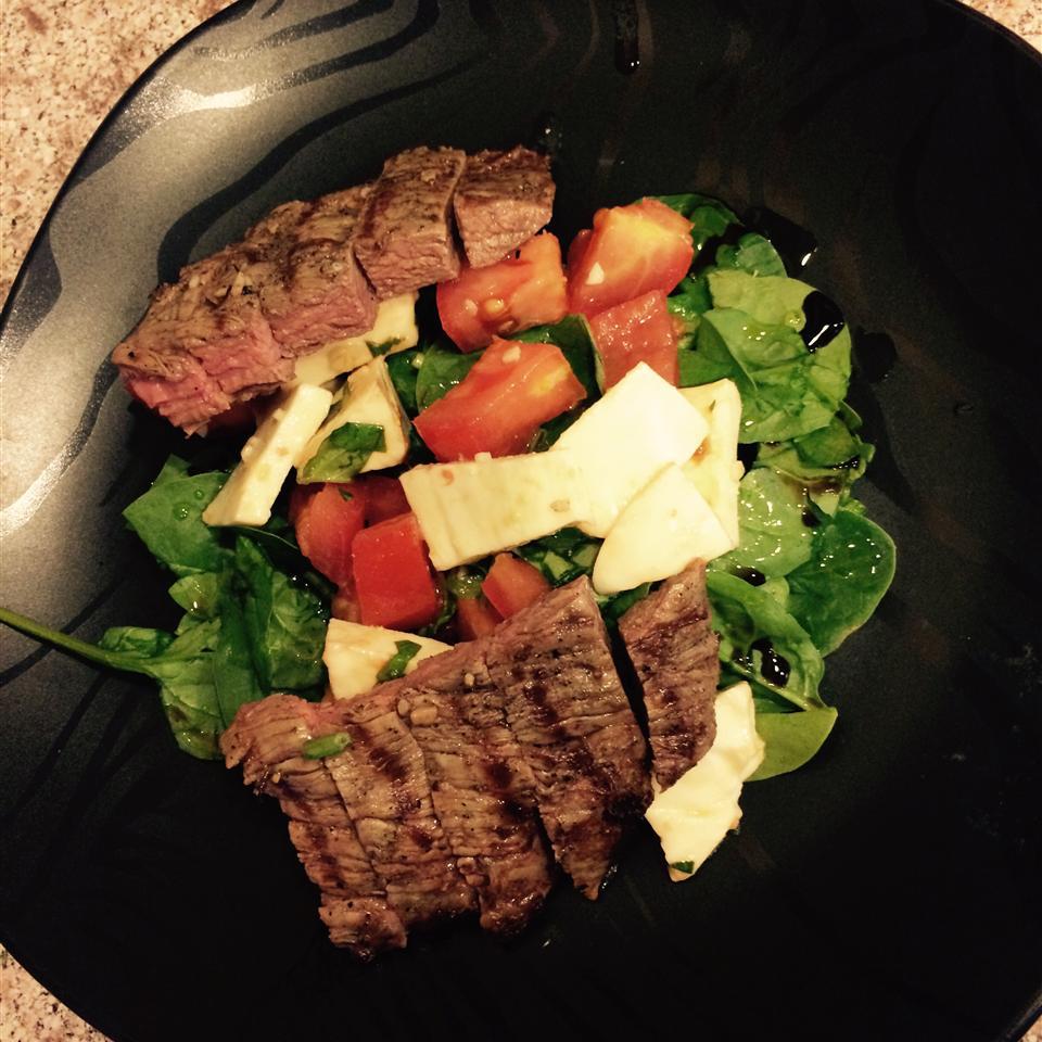 Caprese Salad with Grilled Flank Steak ValsAwesome
