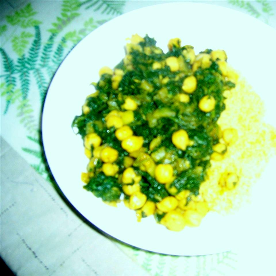 Indian Curried Chickpeas with Spinach