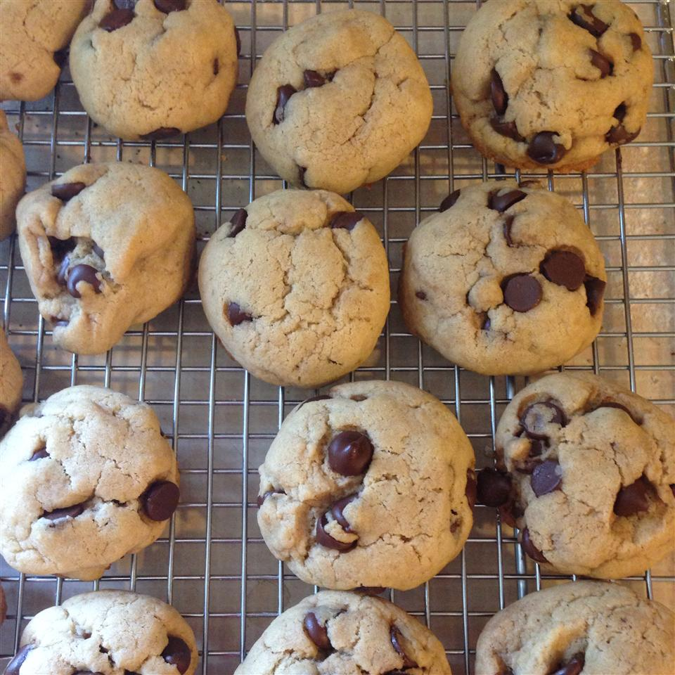 Best Ever Chocolate Chip Cookies I Heather Kelly-Ayotte
