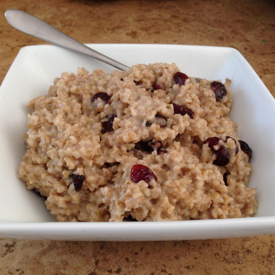 Cranberry, Cinnamon, and Brown Sugar Steel Cut Oats RELcooks