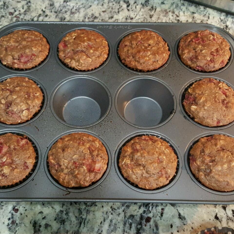 Strawberry Cinnamon Oatmeal Muffins