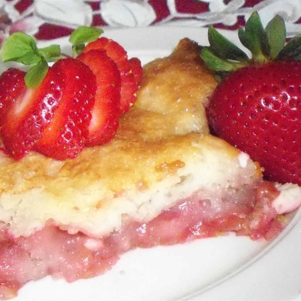Strawberry Cream Cheese Cobbler Yoly