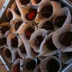 Chocolate Dipped Bing Cherries inounvme
