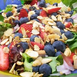 Spinach-And-Berries Salad With Non-Fat Curry Dressing Chef4Six