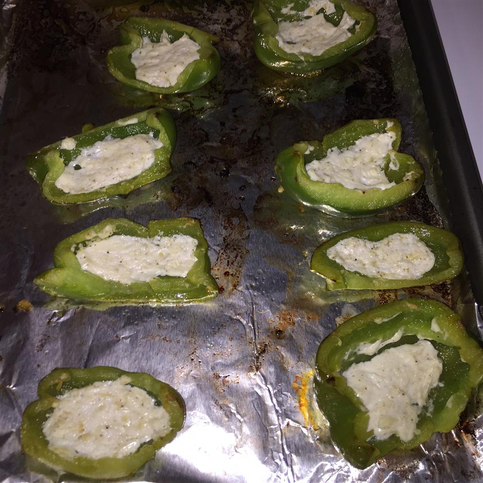 Grilled Bell Peppers with Goat Cheese nc_cubs