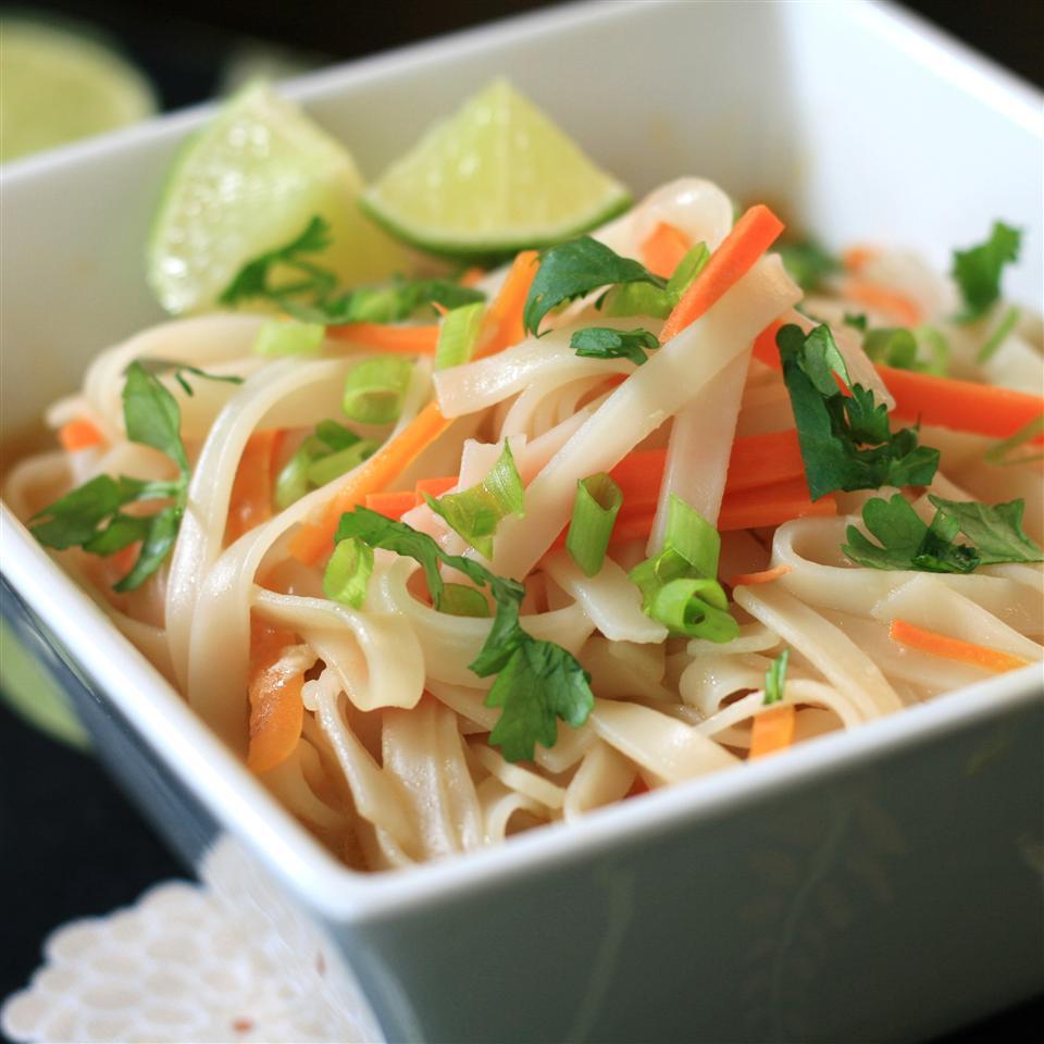 Thai Curry Noodle Bowl France C