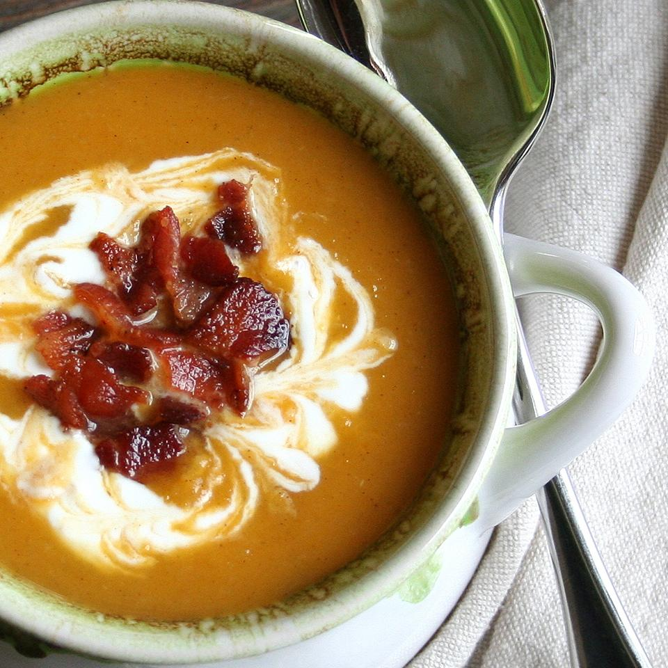 Spicy Roasted Butternut Squash, Pear, and Bacon Soup