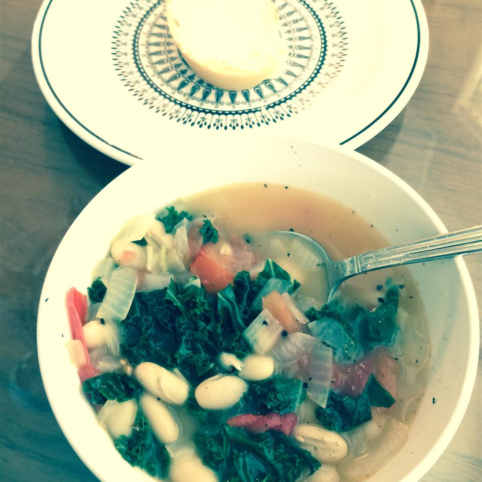 Simple and Delicious Kale Soup ChefRett