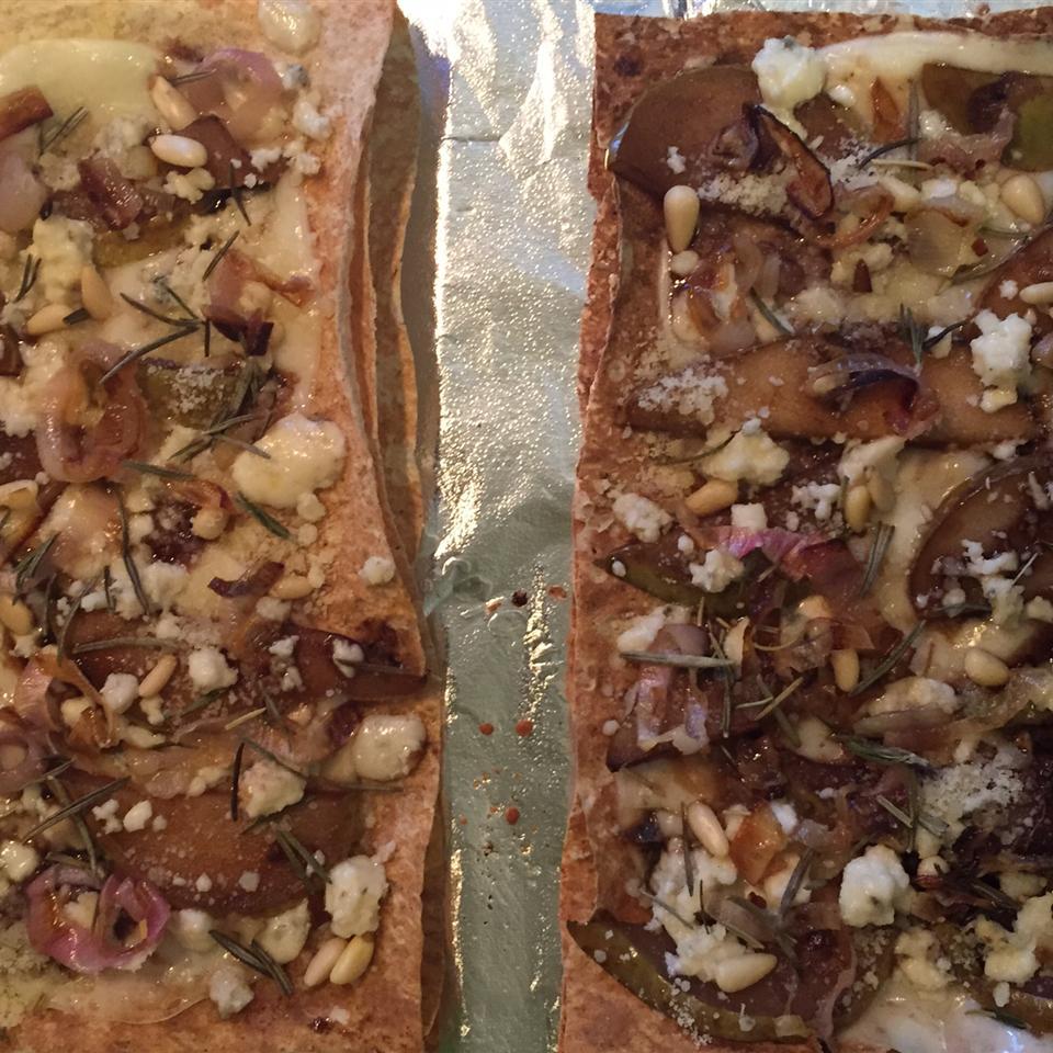 Pear and Gorgonzola Cheese Pizza fragiletension