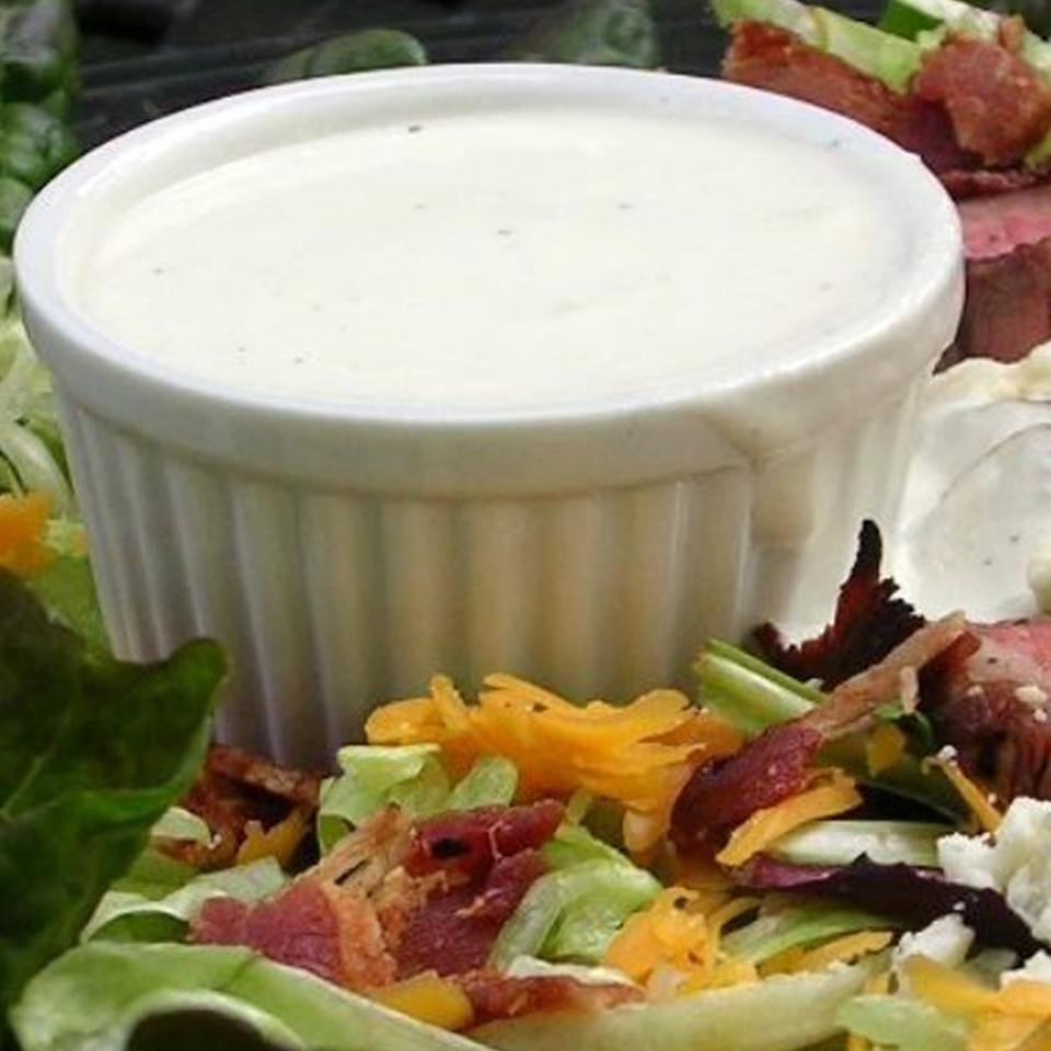 Absolutely the BEST Rich and Creamy Blue Cheese Dressing Ever! DIZ♥