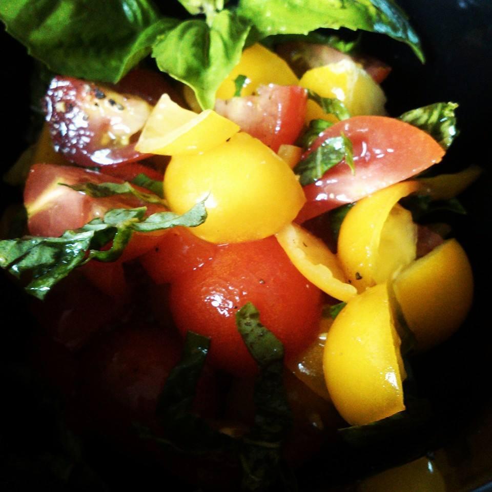 10-Minute Tomato Basil Salad Chef V