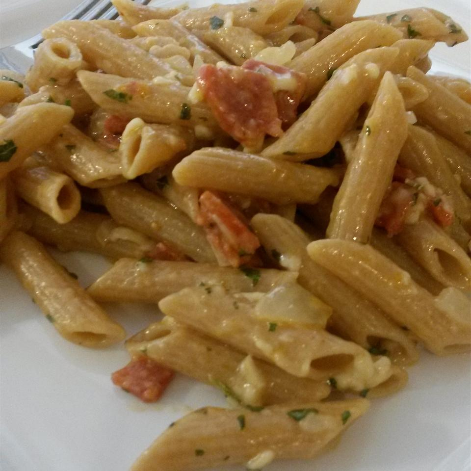 Kellie's Simple Penne with Pepperoni and Cheese Paula Baker