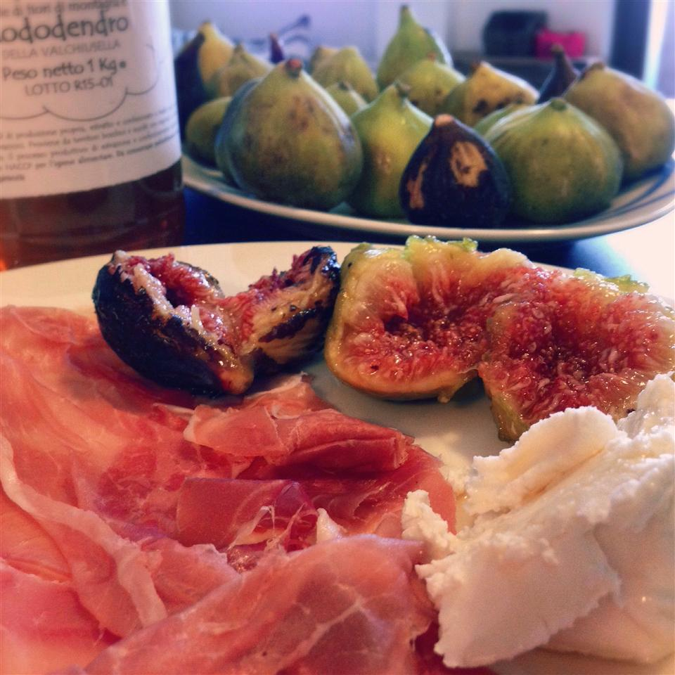Prosciutto and Figs with Goat Cheese Buckwheat Queen