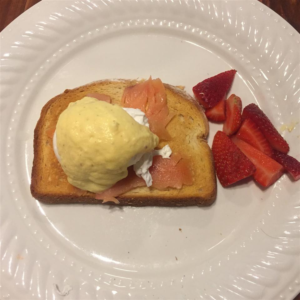 Eggs Benedict with Salmon tonimichelle21
