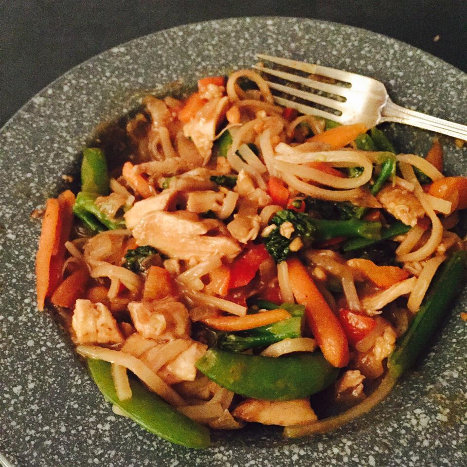 Thai Peanut Noodle Stir-Fry SAUKEE10