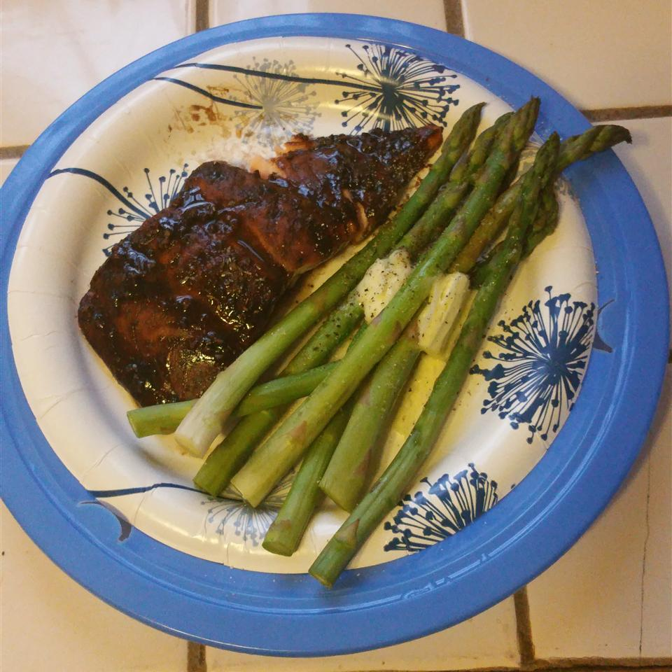 Balsamic-Glazed Salmon Fillets