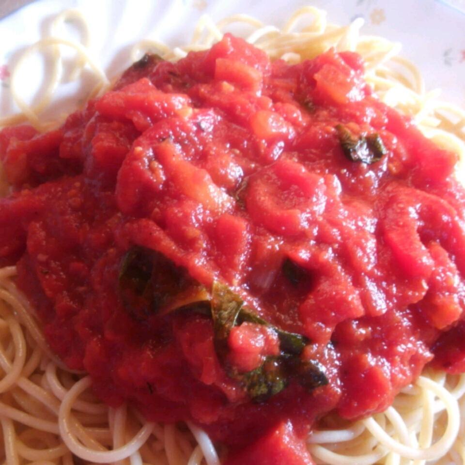 Tomato and Garlic Pasta Tiffany B