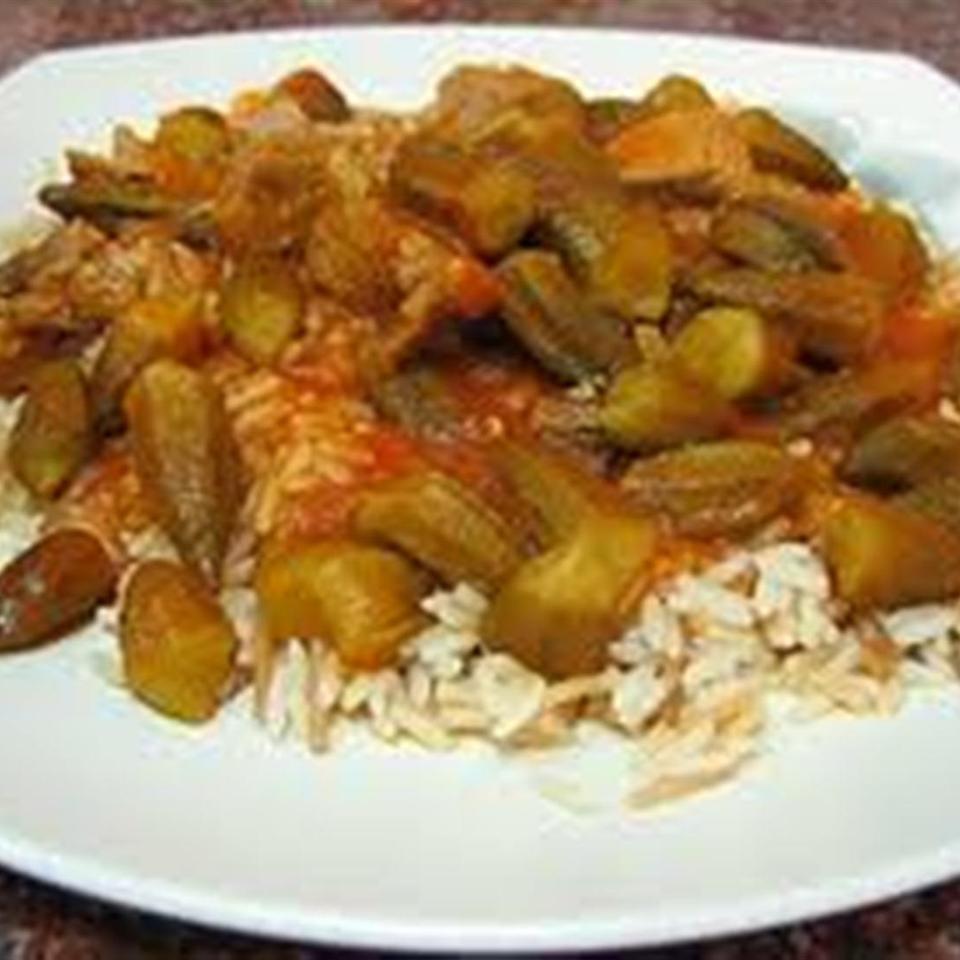 Bamya Bil Lahme (Egyptian Okra Meat Stew)