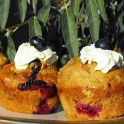 Low-Cholesterol Blueberry Muffins II Nichele