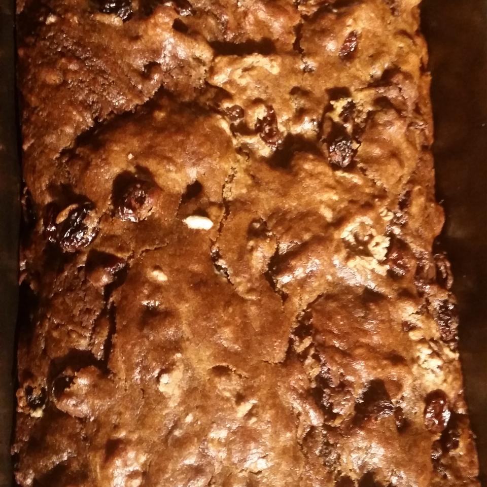 Raisin Cake Mama Munchie