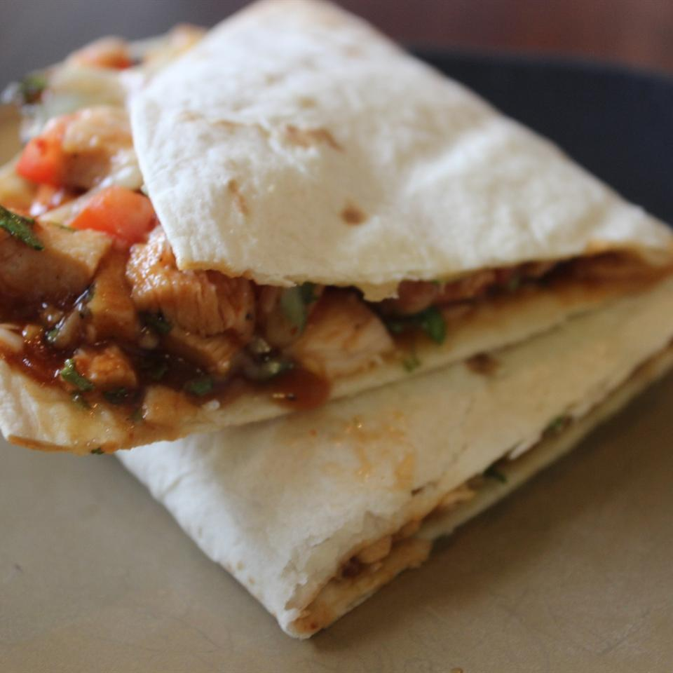 Barbecued Chicken Quesadillas mommyluvs2cook