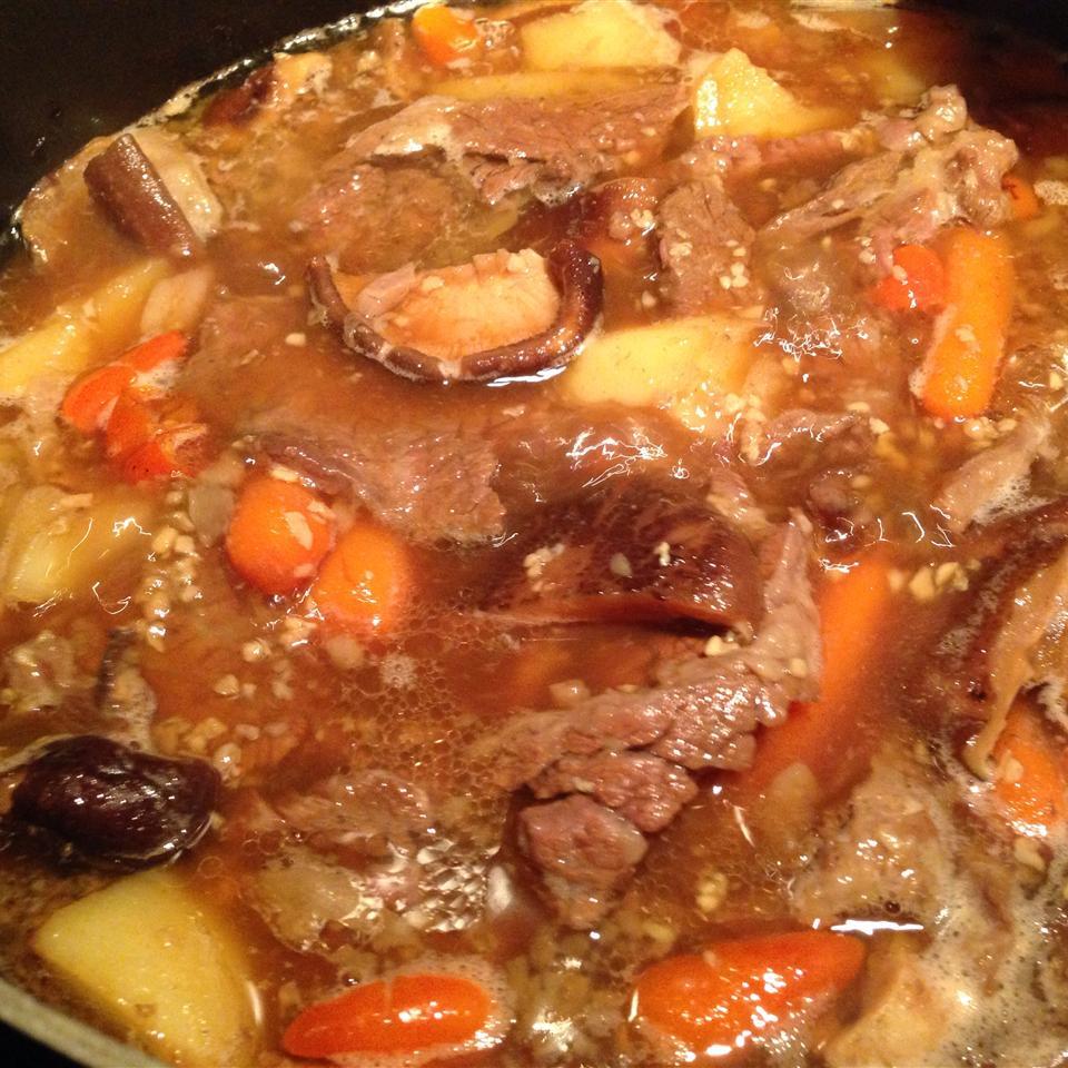 Korean Beef Short Rib Stew (Galbi Jjim) Joann Lai