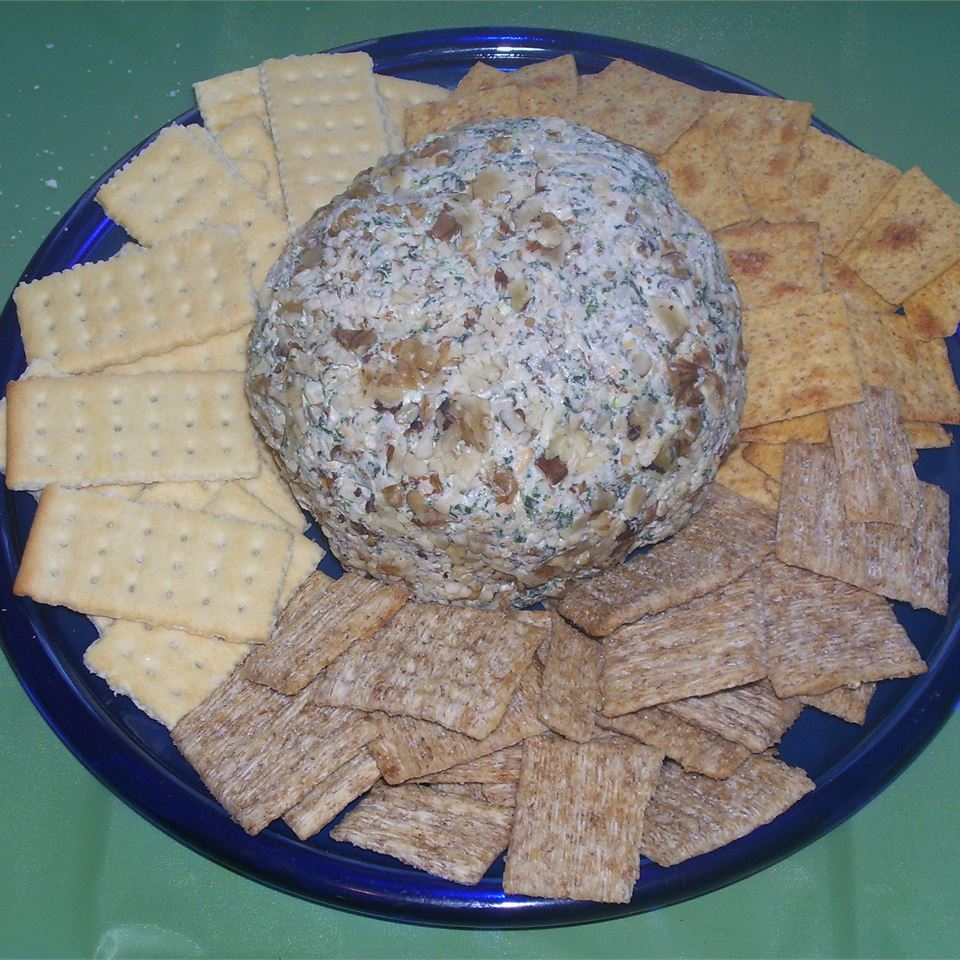 Spinach Cheese Ball Rachelle Leavens-Hollingdale