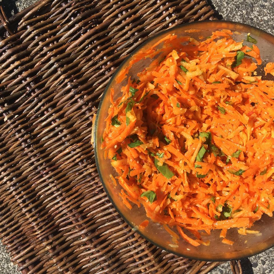 Shredded Apple Carrot Salad Alli Shircliff