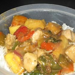 Stir-Fried Chicken With Pineapple and Peppers