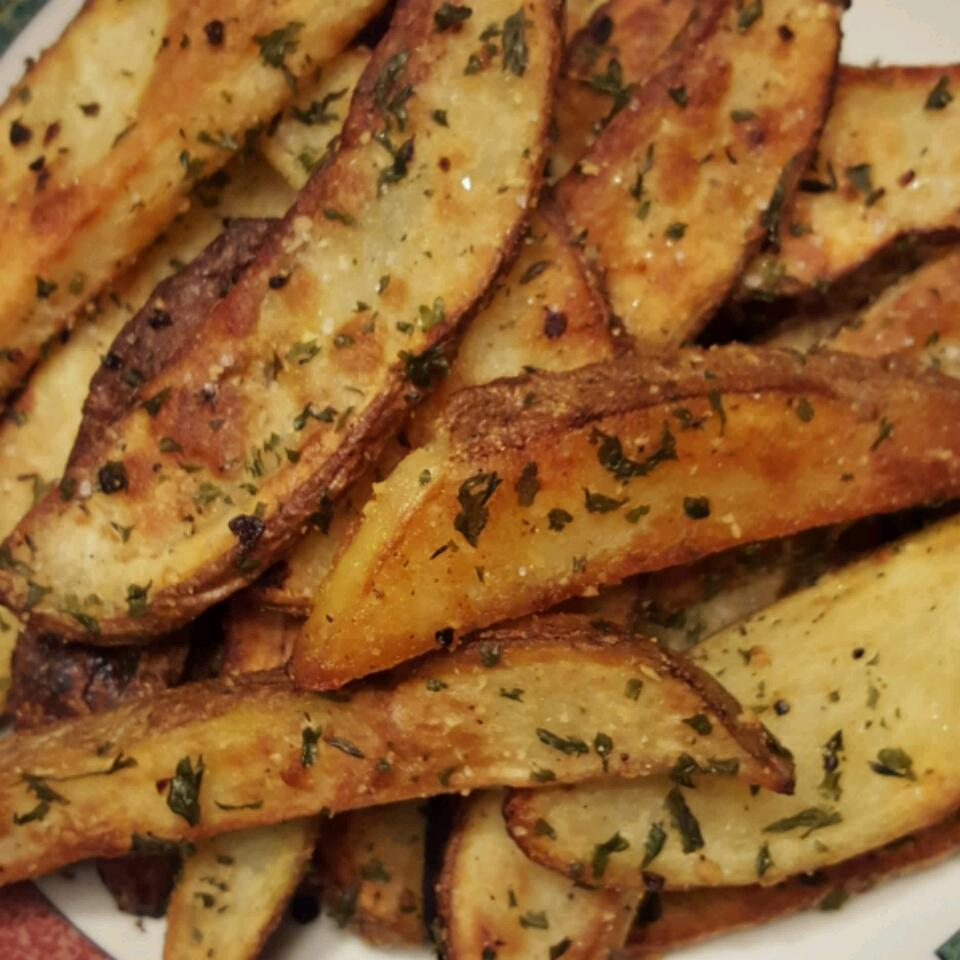 Oven Baked Garlic and Parmesan Fries MrsH33