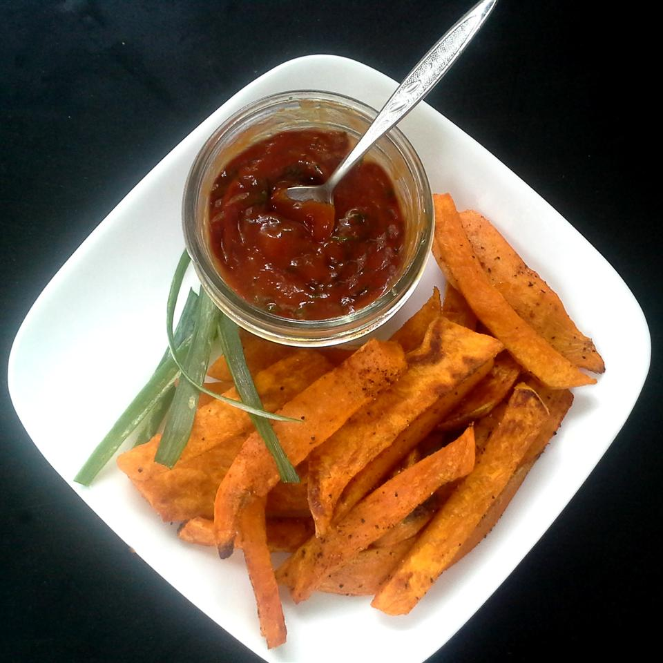 Easy Sweet Potato Fries with Curry Ketchup Rock_lobster