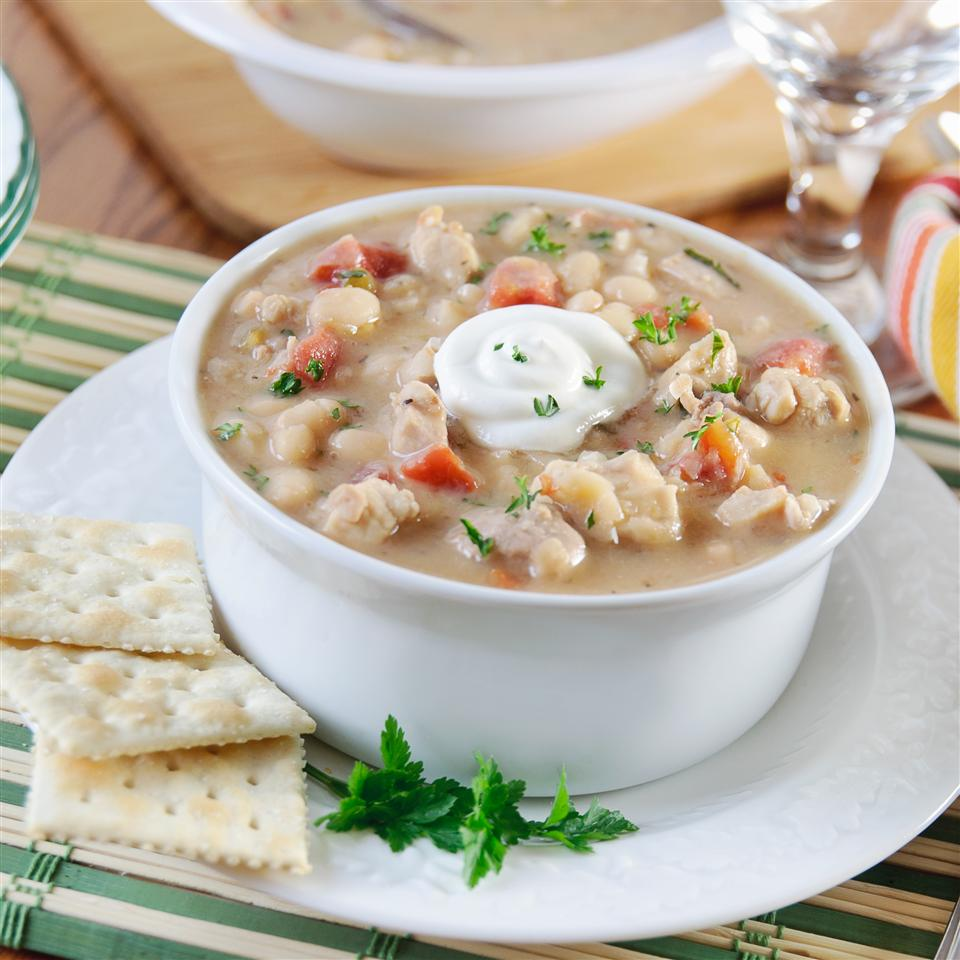 Slow Cooker White Chicken Chili KGora