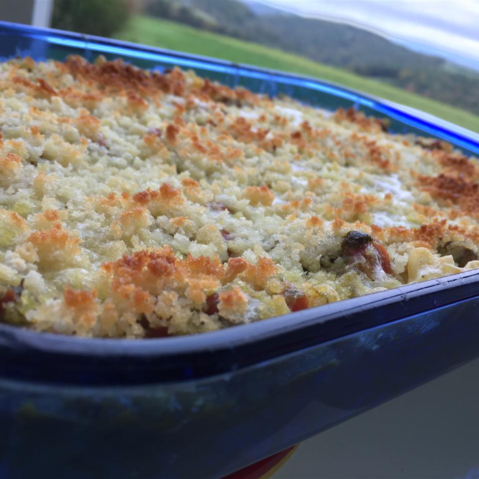 Caprese Macaroni and Cheese lovestohost