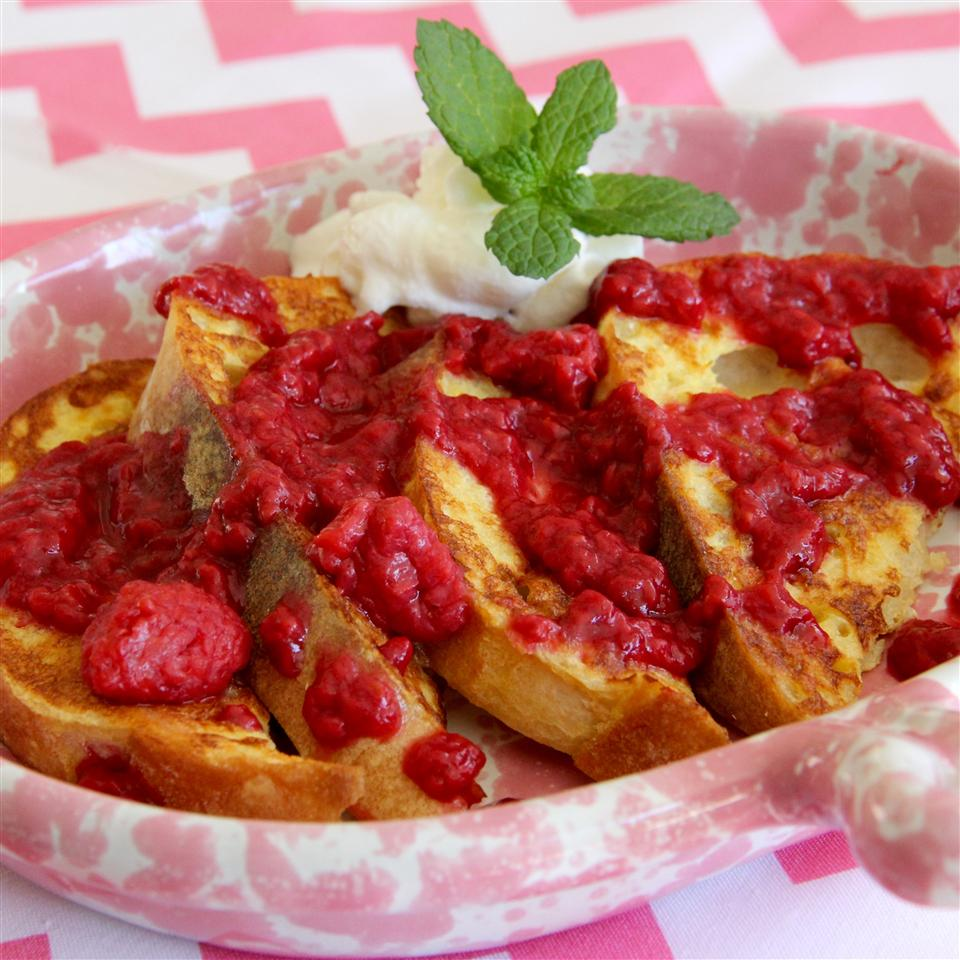 Homemade Raspberry Sauce for Pancakes or Crepes