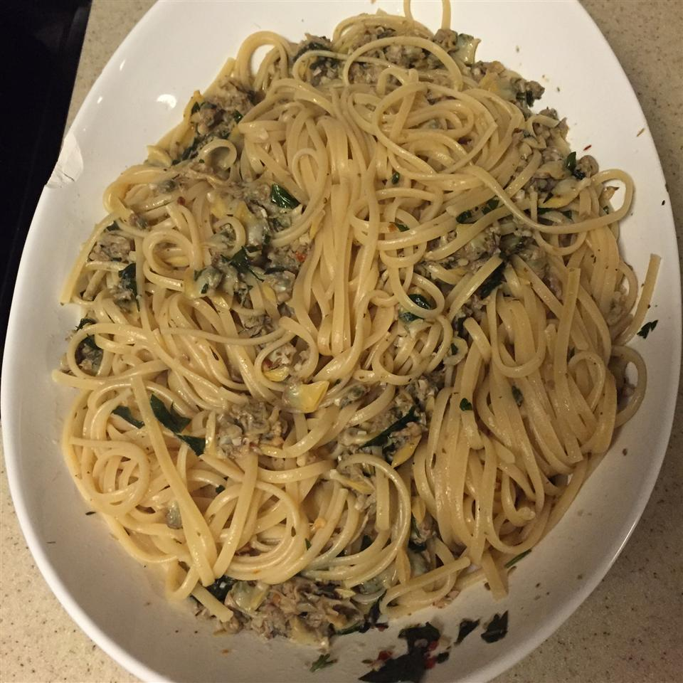 Linguine with Garlicky White Clam Sauce Jessi Mischel