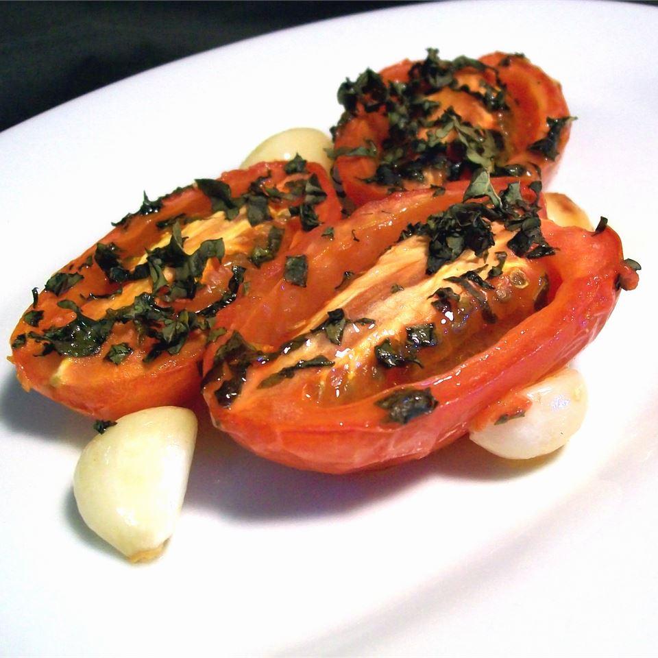Roasted Roma Tomatoes and Garlic SunnyByrd