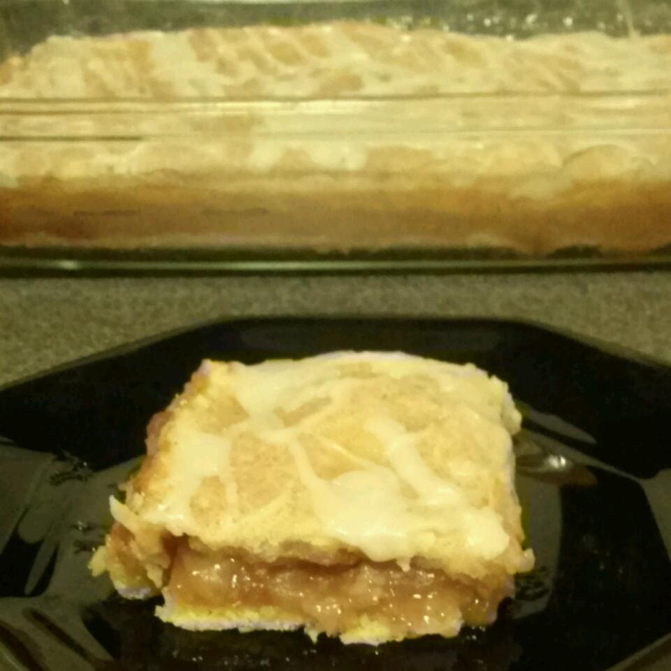 Apple Pie Bars angelina