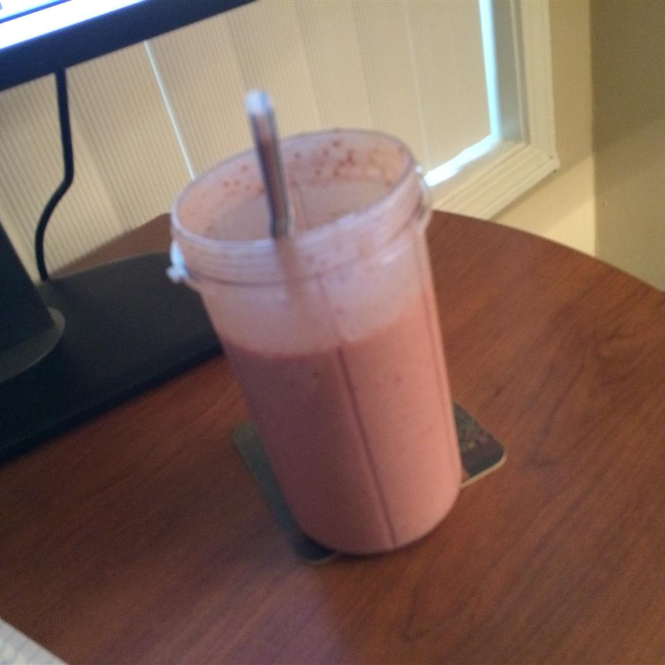 Strawberry Oatmeal Breakfast Smoothie presshus1