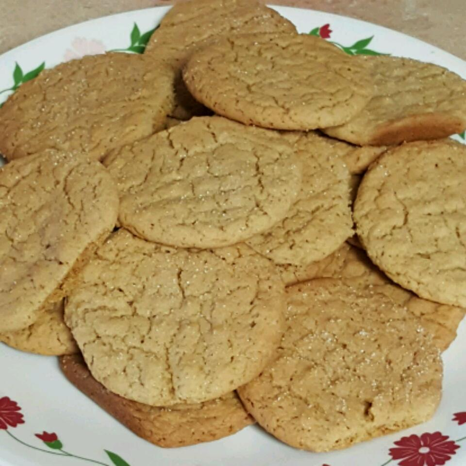 Moist and Chewy Peanut Butter Cookies Jessica Skiles