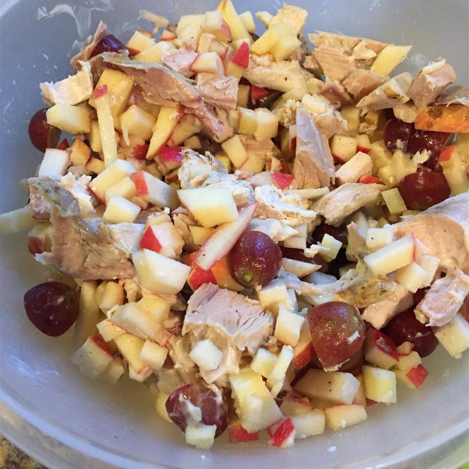 Chicken Salad with Grapes and Apples