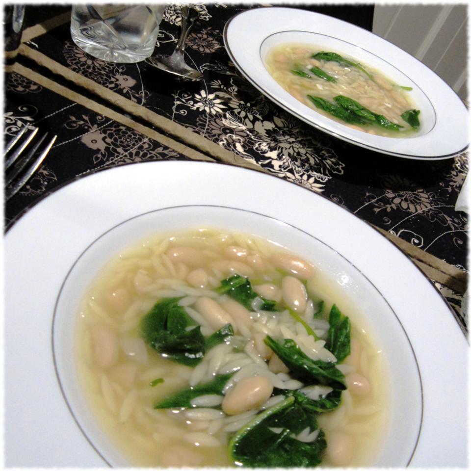 Beans, Greens and Garlic Soup Hezzy_tant_Cook