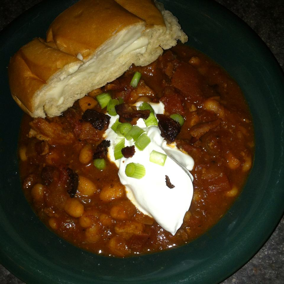 Smoky Pork, Bacon and White Bean Chili from Smithfield® jessaca