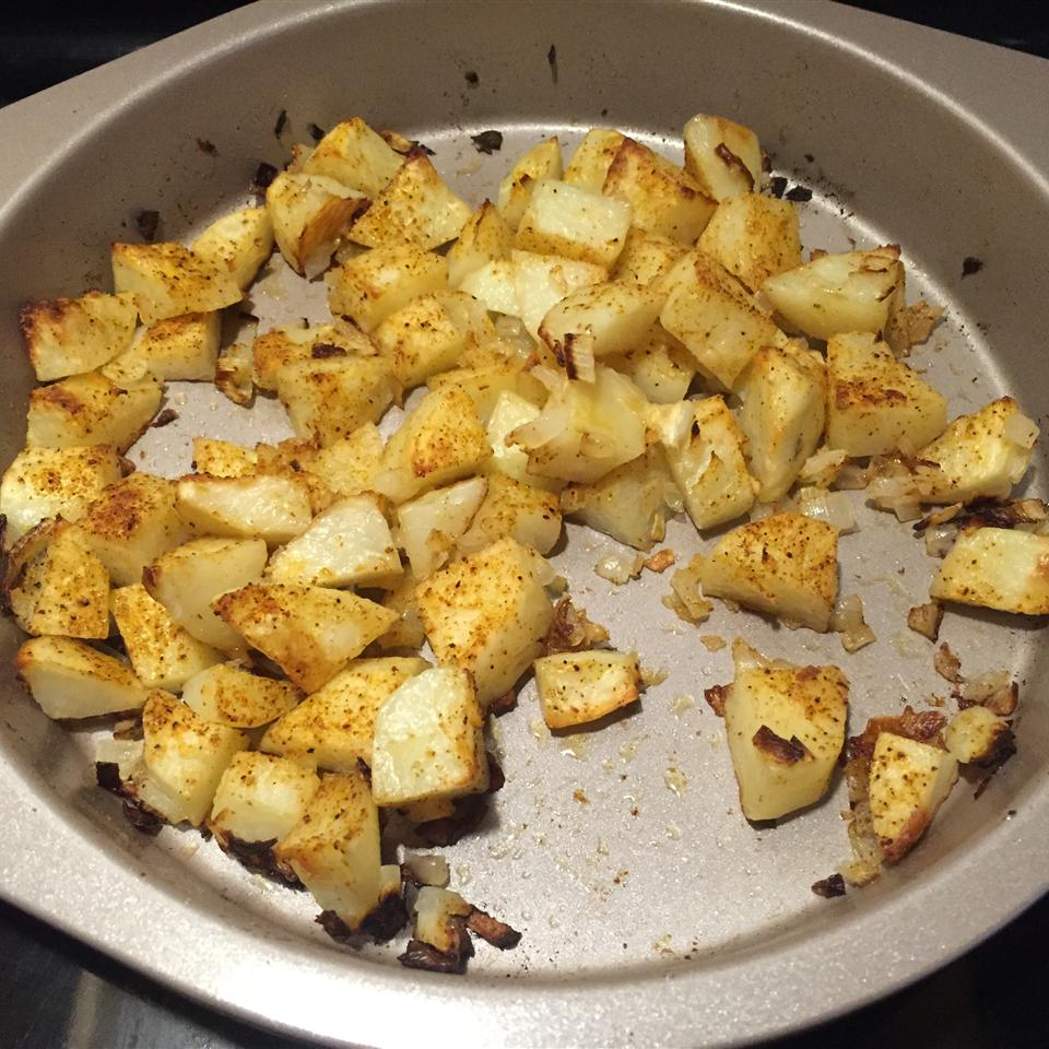 Easy Spicy Roasted Potatoes YousiYC