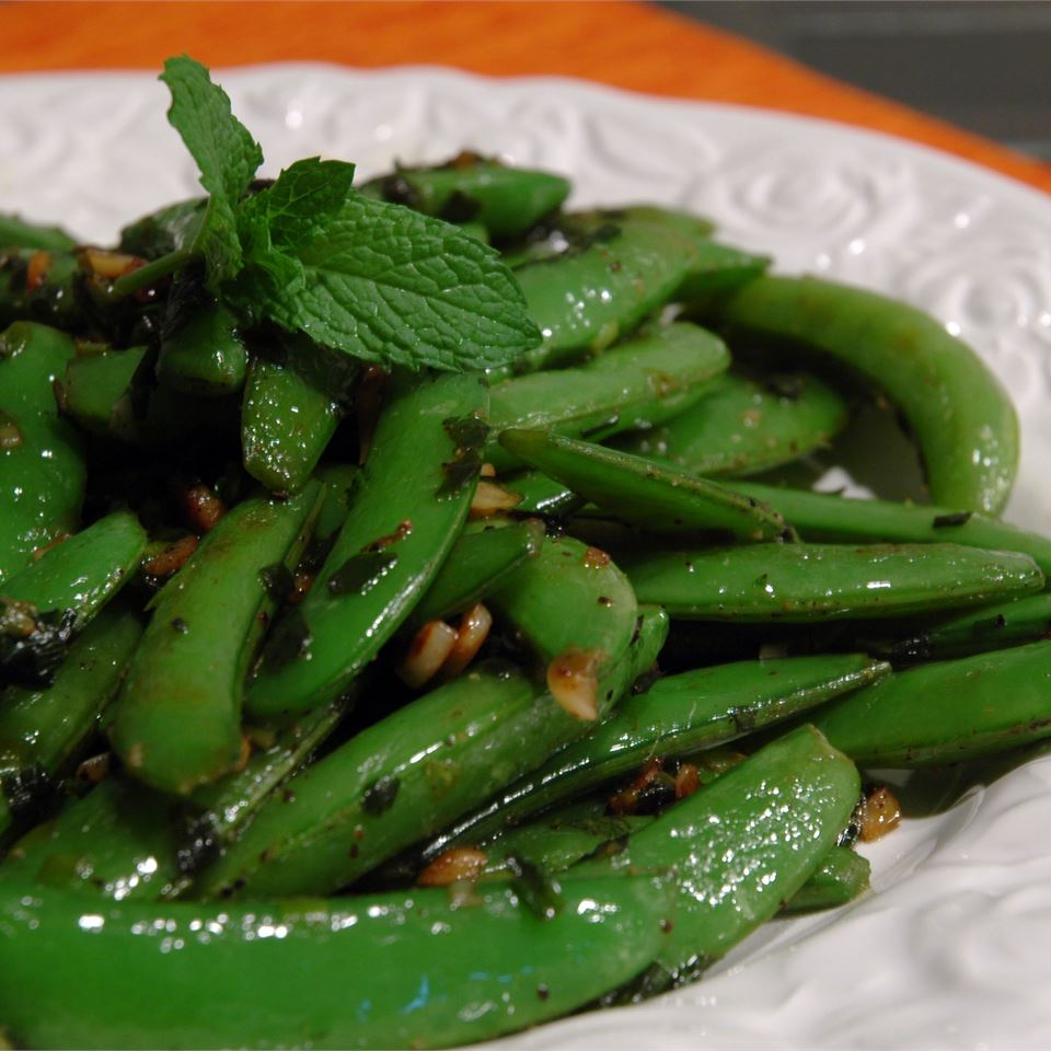 Sugar Snap Peas with Mint LynnInHK