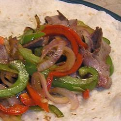 Steak, Onion, and Pepper Fajitas lv2ck