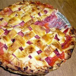 Rhubarb and Strawberry Pie