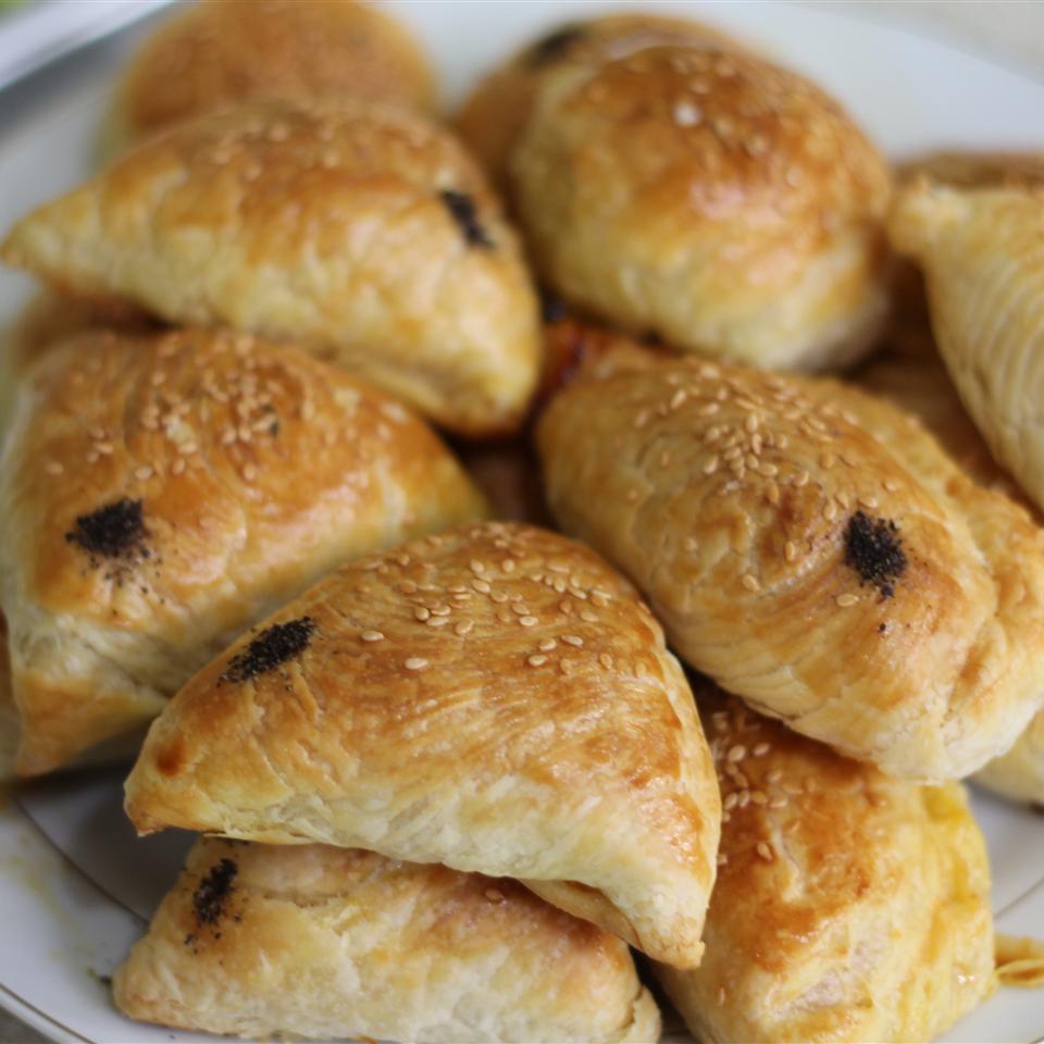 Mediterranean Puff Pastry Chicken